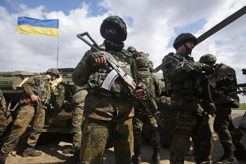 Ukraine từ chối rút khỏi lệnh ngừng bắn, cường độ đọ súng tại Donbass ngày càng gia tăng