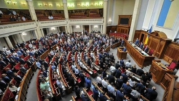 """Ukraine bất ngờ """"thoả thuận"""" với Nga về Donbass"""