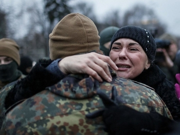 Donbass và Crimea ngày càng căng thẳng, Ukraine tăng hình phạt đối với thanh niên trốn quân dịch