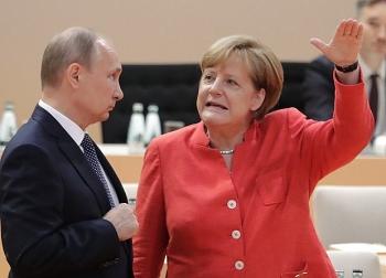 Tổng thống Nga Putin và người đồng cấp Angela Merkel điện đàm về tình hình ở Donbass