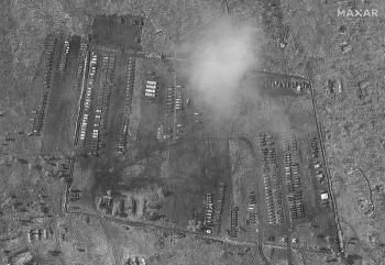 Trại dã chiến khổng lồ của quân đội Nga sát biên giới Ukraine bị lộ vì lý do khó tin