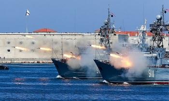 Nga diễn tập bắn đạn thật ở Biển Đen với sự tham gia của tàu tên lửa