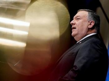 Vợ chồng cựu Ngoại trưởng Mỹ bị tố 'vi phạm đạo đức'  vì yêu cầu nhân viên ngoại giao làm việc cá nhân