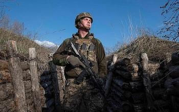 Tướng Ukraine tuyên bố Kiev đã bật chế độ sẵn sàng chiến đấu trong trường hợp xung đột quân sự với Nga