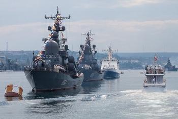 Video: Hải quân Nga tập trận trên Biển Caspi
