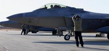 Mỹ triển khai tiêm kích F-22 ở nơi cách Nga không xa
