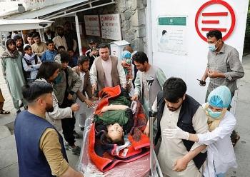 Đánh bom trước cổng trường ở Afghanistan, ít nhất 55 người chết
