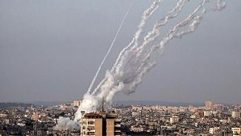 """Hamas bắn tên lửa vào Israel sau """"tối hậu thư"""""""