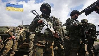 Lực lượng vũ trang Ukraine đang ép binh sĩ gia hạn hợp đồng?