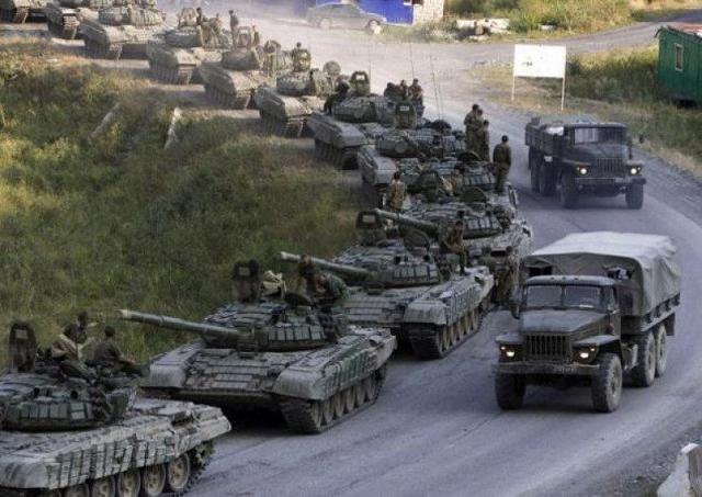 Hàng trăm xe tăng T-90 Proryv Nga được điều tới biên giới phía Nam?