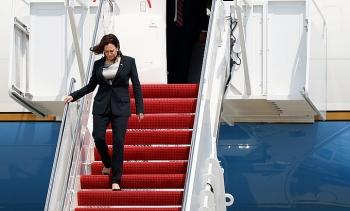 Chuyên cơ chở Phó Tổng thống Mỹ gặp sự cố kỹ thuật, buộc phải quay đầu