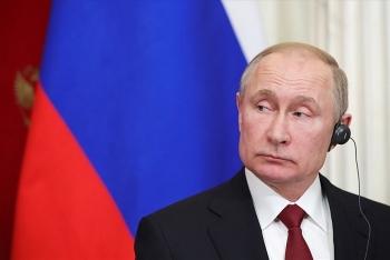 Tổng thống Putin hợp pháp hóa quyền công dân Nga cho người Crimea