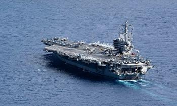 Tàu sân bay Ronald Reagan cùng nhóm chiến hạm hộ tống tiến vào Biển Đông
