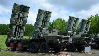 """Mỹ công bố video về loạt vũ khí """"đối trọng"""" của S-400 và tàu chiến Nga"""