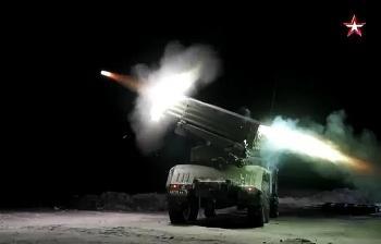 Pháo Tornado-G của Nga khai hỏa cực chính xác