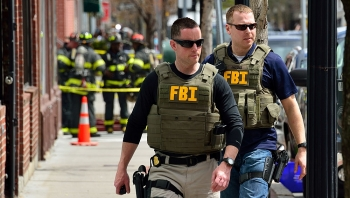 """FBI mở chiến dịch truy lùng """"gián điệp quân sự"""" Trung Quốc trên toàn nước Mỹ"""
