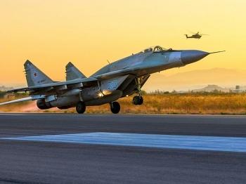Tiêm kích Nga suýt bị phòng không Iran bắn hạ trên bầu trời Syria