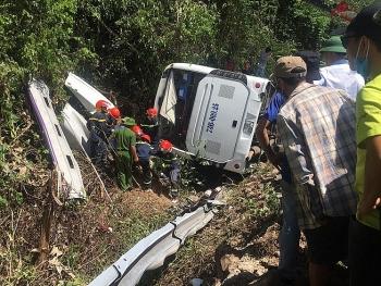 Danh tính nạn nhân tử vong trong vụ lật xe du lịch ở Quảng Bình