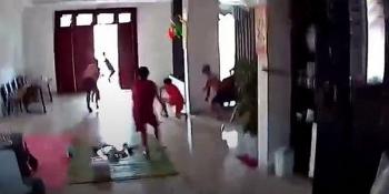 Video: Động đất rung lắc mạnh, cả gia đình đang ăn cơm nháo nhào vứt bát đũa bỏ chạy