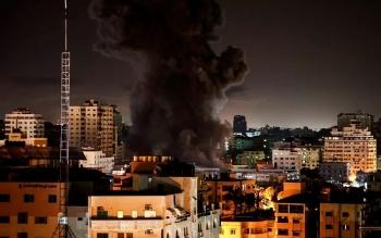 Không quân Israel bất ngờ bắn tên lửa vào Dải Gaza
