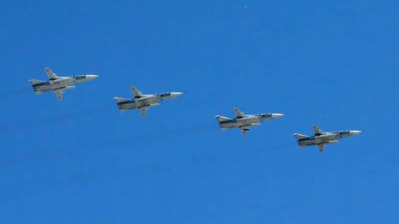Chiến cơ Nga khoe sức mạnh khủng khiếp trên Biển Đen