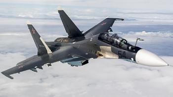 Chiến cơ Nga xuất kích hộ tống máy bay trinh sát Mỹ 'đi lạc' ở Biển Đen