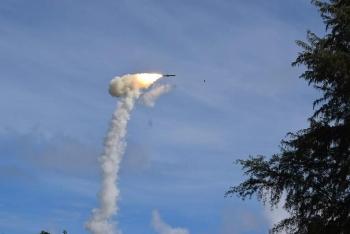 Tên lửa siêu thanh Ấn Độ phóng thất bại trên vịnh Bengal