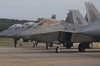 Mỹ dự kiến điều 25 chiến cơ tàng hình F-22 ra Thái Bình Dương