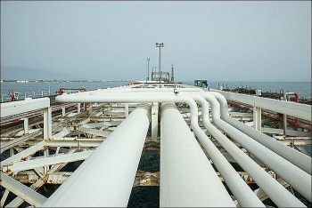 Iran chính thức xuất khẩu dầu thô từ Vịnh Oman, bỏ qua eo biển chiến lược Hormuz