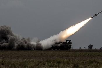 Phòng không Nga bắn hạ toàn bộ số tên lửa bay về phía Syria