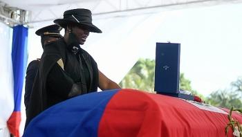 Đạn súng và hơi cay gây hỗn loạn tại tang lễ cố Tổng thống Haiti