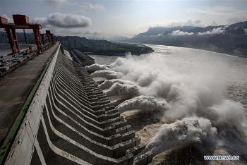 Bão nối bão dồn dập đổ bộ, Trung Quốc tức tốc khởi động mức ứng phó cấp độ 4