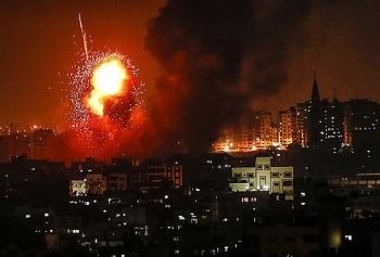 Israel tiếp tục