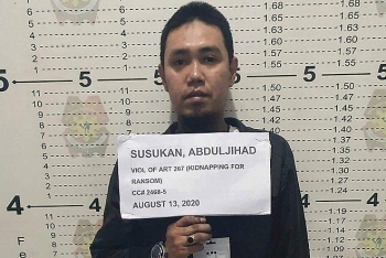 Trùm khủng bố khét tiếng với nhiều vụ chặt đầu con tin ở Philippines bất ngờ ra đầu thú sau khi bị đứt lìa tay trái