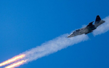 """Video: Mãn nhãn cảnh """"xe tăng bay"""" Su-25SM3 của không quân Nga khai hỏa đầy uy lực"""