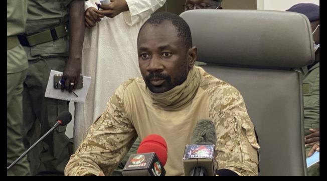 Thủ lĩnh đảo chính bắt cóc Tổng thống và Thủ tướng Mali chính thức lộ diện