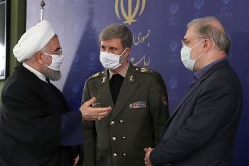 Phớt lờ đe dọa của Mỹ, Iran khoe tên lửa mới tầm bắn hơn 1.000 km