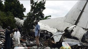 Rơi máy bay tại Nam Sudan, ít nhất 17 người thiệt mạng, tiền mặt vương vãi khắp nơi