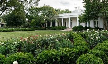 Trước Đại hội Toàn quốc đảng Cộng hòa, Đệ nhất Phu nhân Mỹ bất ngờ đại tu Vườn Hồng