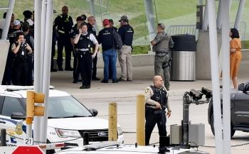 Một cảnh sát bị sát hại, Lầu Năm Góc phong tỏa ngay lập tức