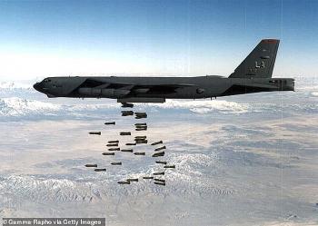 Mỹ điều máy bay B-52 tấn công Taliban