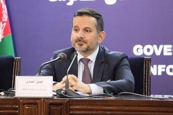 Thống đốc Ngân hàng Afghanistan trốn khỏi Kabul