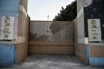 Đại sứ quán Mỹ hủy hộ chiếu của nhiều người Afghanistan