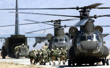 Mỹ buộc phải phá hủy 7 trực thăng CH-46E tại Kabul