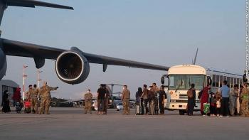 Những người Afghanistan sơ tán đầu tiên đã đến Đức