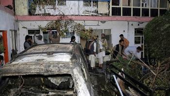 Hoa Kỳ không kích, cho nổ tung một xe chở bom chạy đến sân bay Kabul