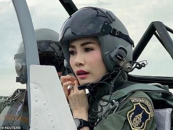 Nhan sắc đáng ngưỡng mộ của Hoàng quý phi Thái Lan vừa được phục vị