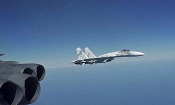 Vì sao 8 tiêm kích Nga bất ngờ chặn B-52 Mỹ trên biển Đen?
