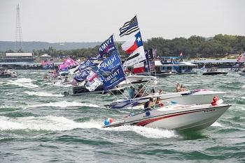 Cảnh tượng hoành tráng: Hàng trăm thuyền tham gia diễu hành ủng hộ Tổng thống Trump