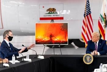 Tổng thống Trump tuyên bố gây sốc: Cháy rừng do nổ cây, cần thường xuyên dọn dẹp lá khô